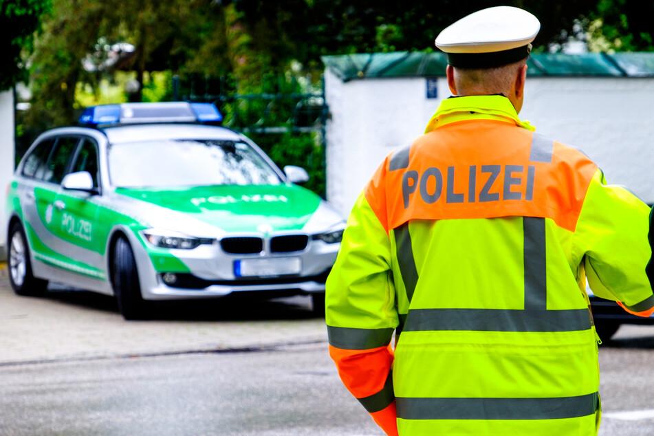 Die Polizei nahm telefonisch Kontakt zu dem 26-Jährigen auf, bewegte ihn schließlich zum Verlassen der Wohnung. (Symbolfoto)