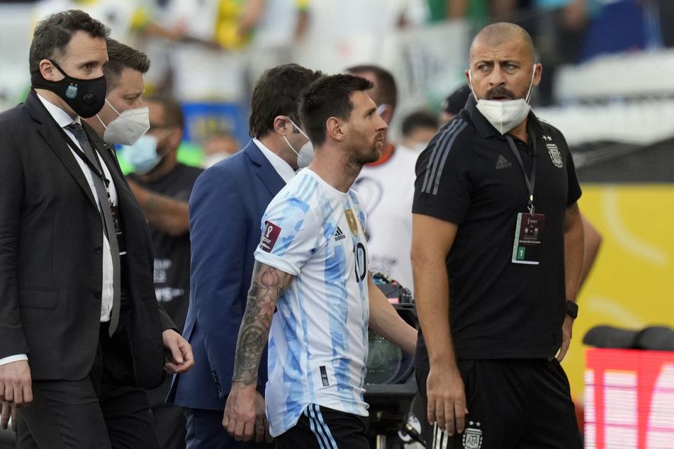 Auch die argentinische Fußball-Legende Lionel Messi (34) ging vorzeitig vom Platz.