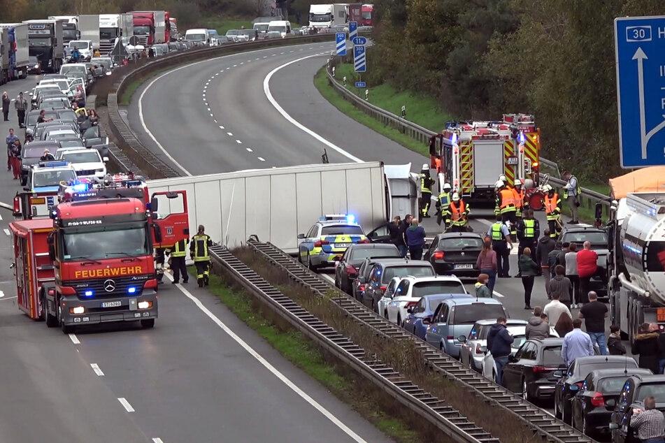 Immer wieder kommt es zu schweren Unfällen auf der A30 (Foto: Nord-West-Media TV/dpa).