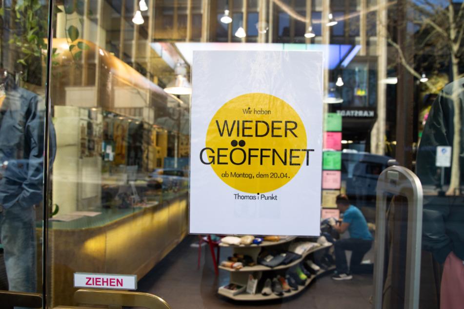 Die ersten Geschäfte in Hamburg machen sich bereit für die Lockerung der Corona-Maßnahmen.