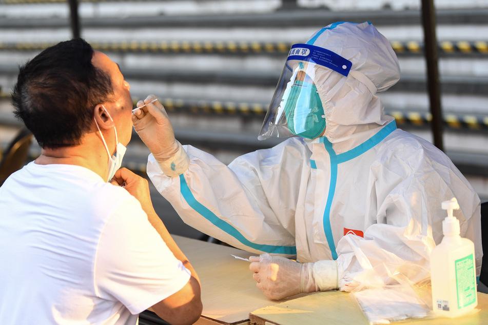Die BGI Group produziert auch Corona-Tests. (Symbolbild)