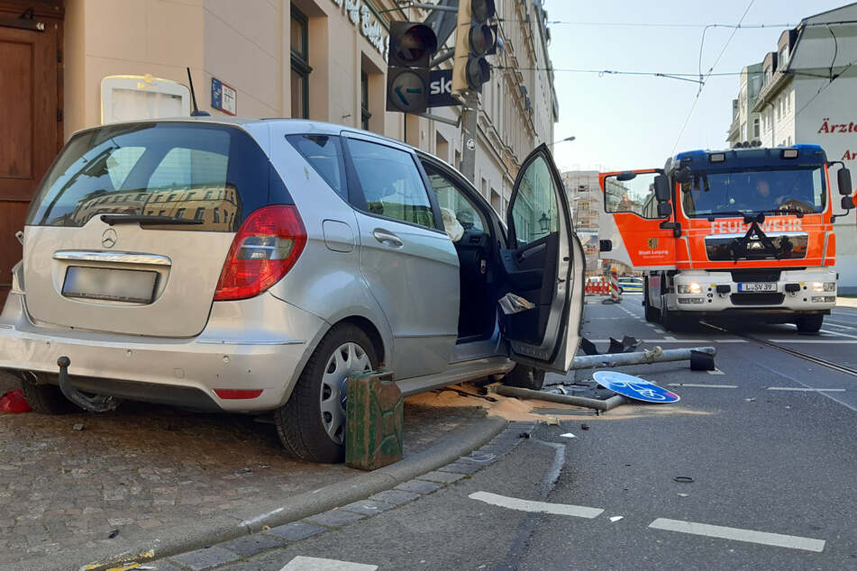 Zwei Verletzte nach Unfall im Leipziger Osten: Sperrung aufgehoben!