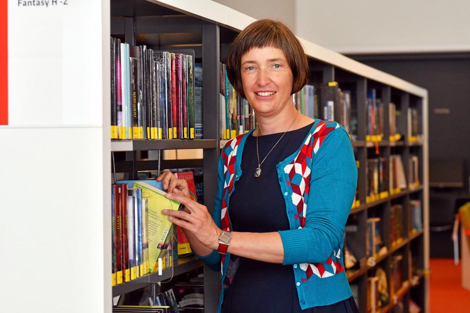 """Bibliotheksdirektorin Marit Kunis-Michel (46) hat Montag die neue """"Bibliothek der Dinge"""" im Kulturpalast eröffnet."""