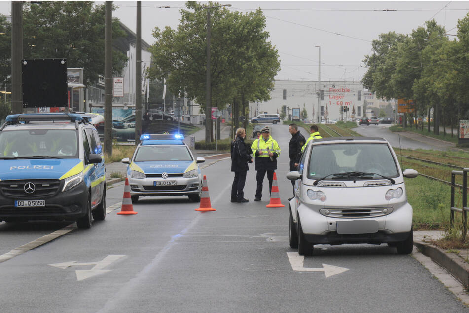 Fußgänger auf Zwickauer Straße von Kleinwagen erfasst und verletzt