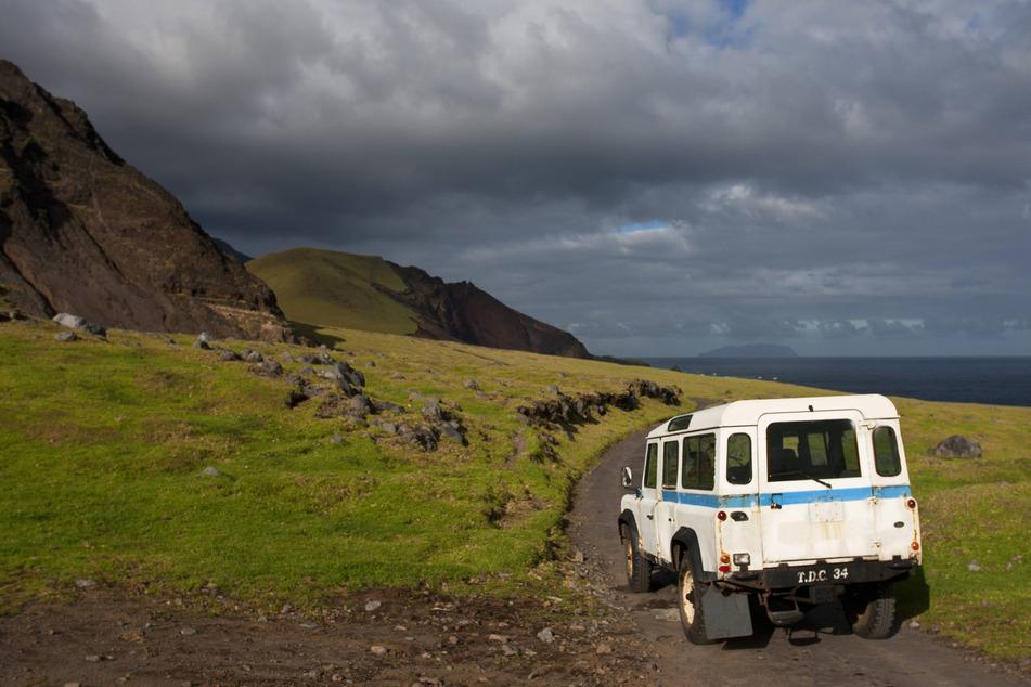Lediglich sieben Familien bewohnen die raue Insel Tristan da Cunha im Südatlantik. Nur etwa zehnmal im Jahr wird sie von Schiffen angefahren.