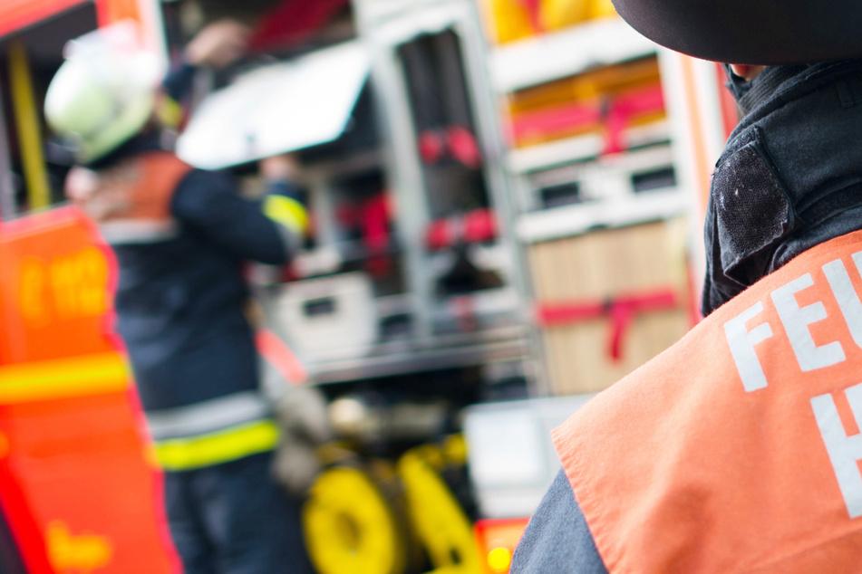 München: Schwerer Brand in München: BMW steht lichterloh in Flammen