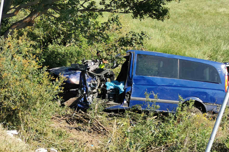 Zwei Verletzte bei schwerem Unfall auf der A14