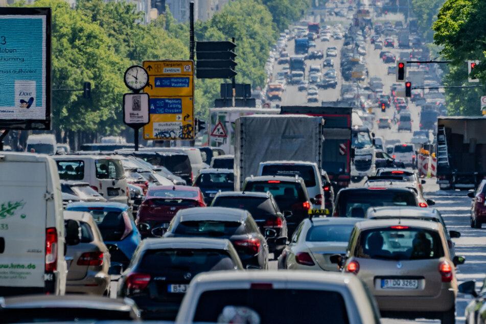 Berlin: Klima-Hammer für Berlin: Senat will Verbrenner aus der Innenstadt verbannen!