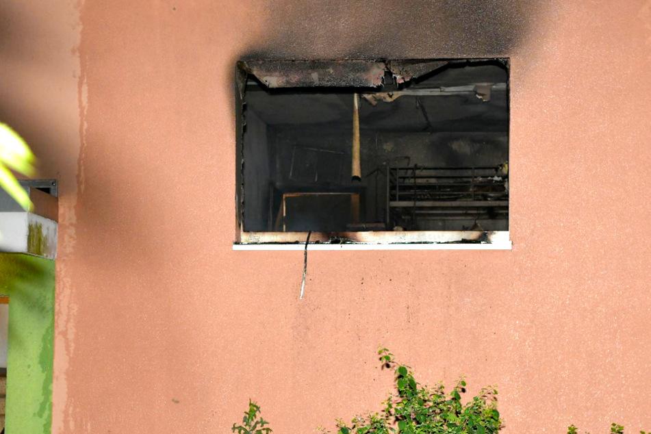 Wohnung in Flammen: Mutter mit Kind muss ins Krankenhaus!