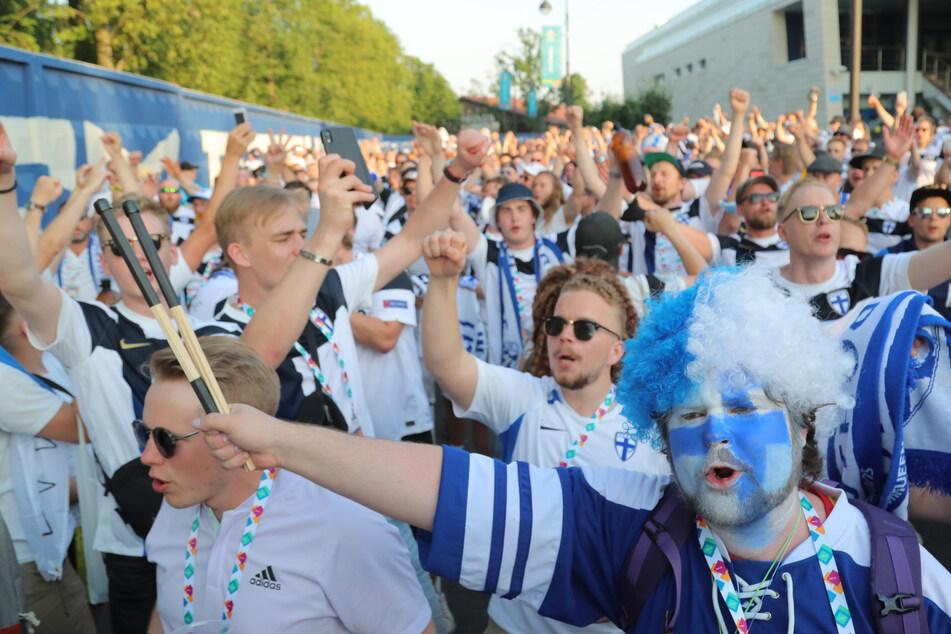 Viele finnische Fußball-Fans haben sich bei ihrer Reise nach St. Petersburg mit dem Coronavirus infiziert.