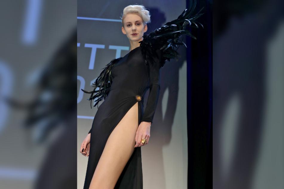 Lisa Eckhart (27) bei der Verleihung des Deutschen Kabarett-Preises im Jahr 2018. (Archivbild)