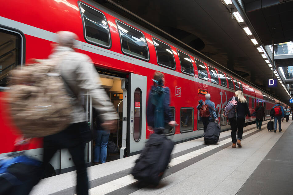 Coronavirus: Kostenlose Reservierung für Bahnkunden gefordert