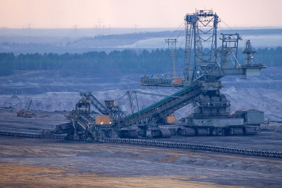 Der Strukturwandel in den vom Ende der Braunkohleförderung betroffenen Regionen in Sachsen soll weiter unterstützt werden. (Symbolbild)