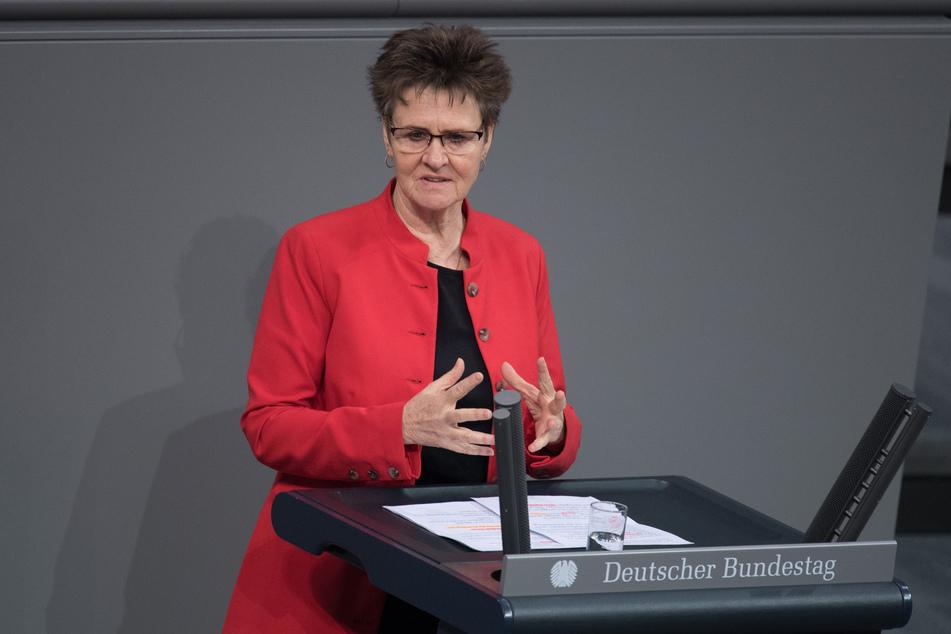 """Sabine Zimmermann (60, Linke) wirft der Bundesregierung eine """"verfehlte Krisenpolitik"""" vor."""