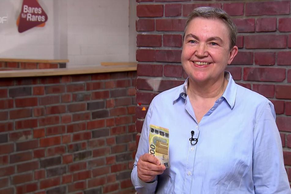 """Gabriele Behler (62) hat ihr Fünf-Euro-Schnäppchen bei """"Bares für Rares"""" für stolze 1150 Euro weiterverkauft."""