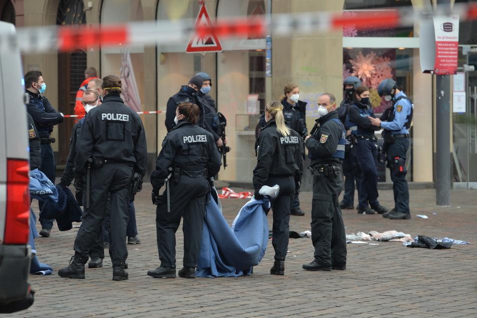 Auto rast durch Fußgängerzone in Trier: Baby getötet, Bild der Verwüstung in der Innenstadt
