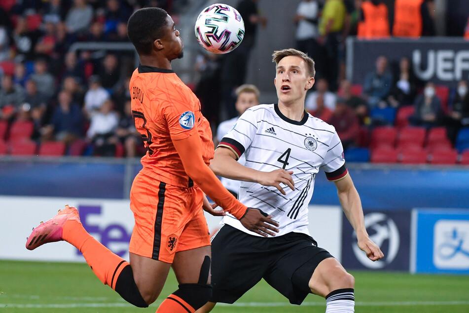 Nico Schlotterbeck (21,r.) machte mit einigen starken Auftritten bei der U21-Europameisterschaft auf sich aufmerksam.