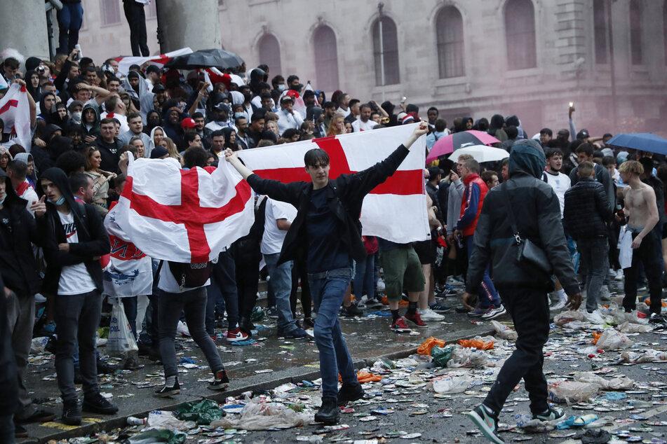 Die fußballverrückten England-Fans fielen während des Turniers nicht immer nur positiv auf.