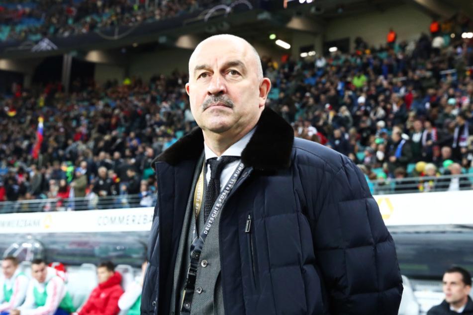 Stanislaw Tschertschessow (57) schmiss Artem Dzyuba (32) für die drei November-Länderspiele aus der russischen Nationalmannschaft.