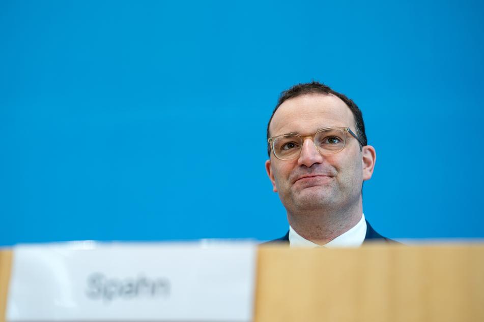 Bundesgesundheitsminister Jens Spahn (41, CDU) betonte, dass bereits mehr als 900.000 Kinder zwischen zwölf und 17 Jahren mindestens einmal geimpft worden seien, dies entspreche etwa 20 Prozent dieser Altersgruppe.