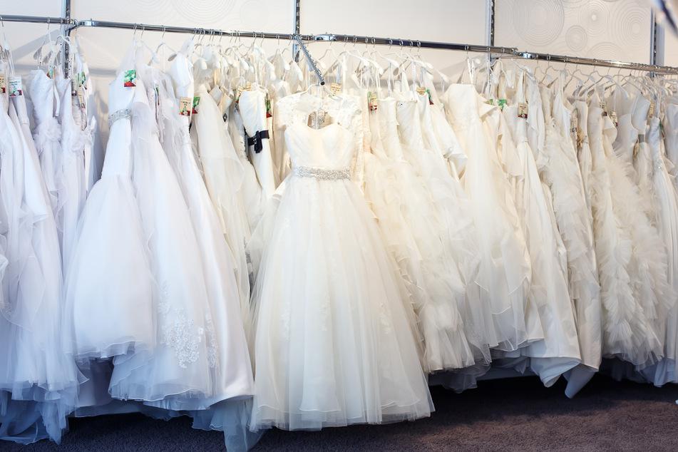 Diebe entwenden 300 Brautkleider in Düsseldorf