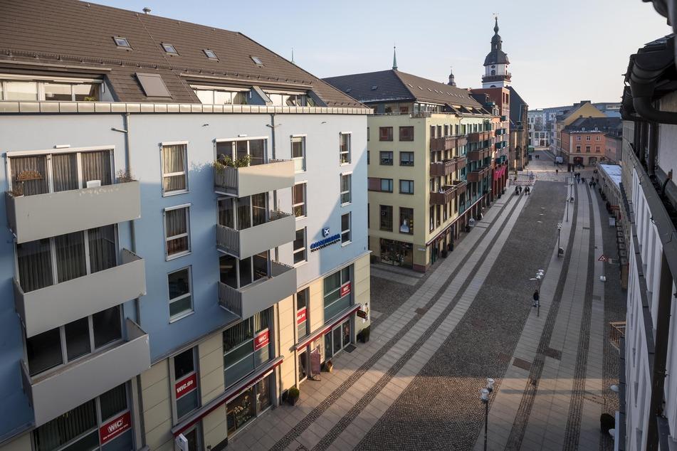Attacke in der Chemnitzer City: Trio greift Jugendliche (15, 17) und Mann (32) an