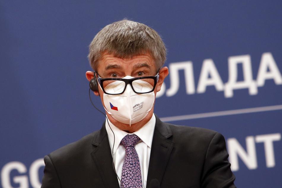 Andrej Babis (66), Premierminister von Tschechien, spricht während einer Pressekonferenz. Tschechien ordnet verpflichtende Corona-Massentests in allen mittleren und großen Unternehmen an.