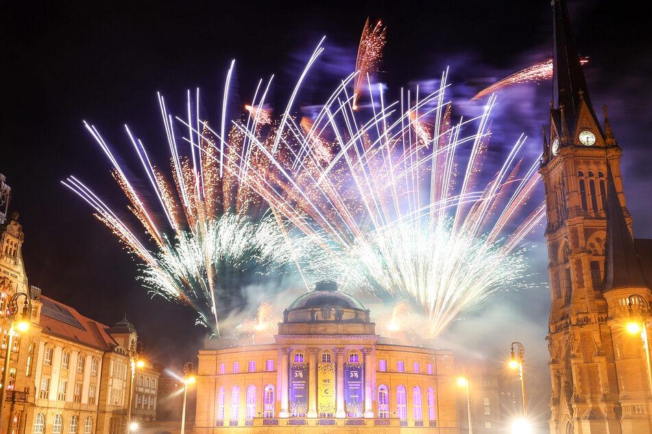 So bunt wird die Silvesternacht dieses Jahr wohl nicht werden, denn der Verkauf von Feuerwerk wurde verboten.